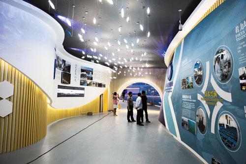 国家级海洋文化体验中心内,高科技带来动感体验.